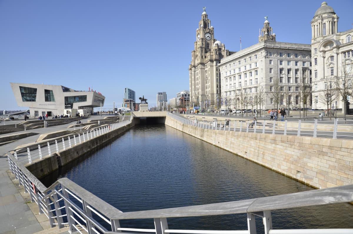 Liverpoolin satama-alue.