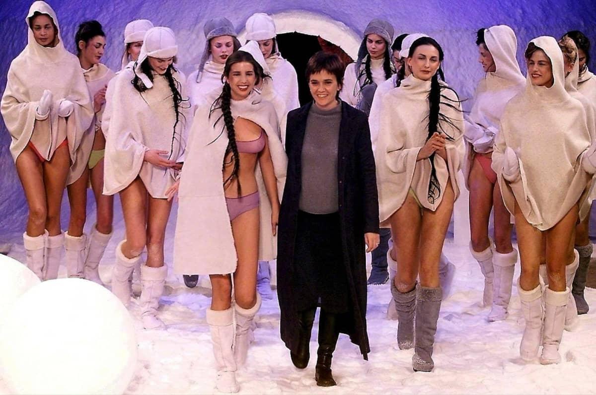 Ivanka Trump on työskenellyt myös mallina. Hän osallistui Toto Comellan muotinäytökseen Barcelonassa vuonna 2000.