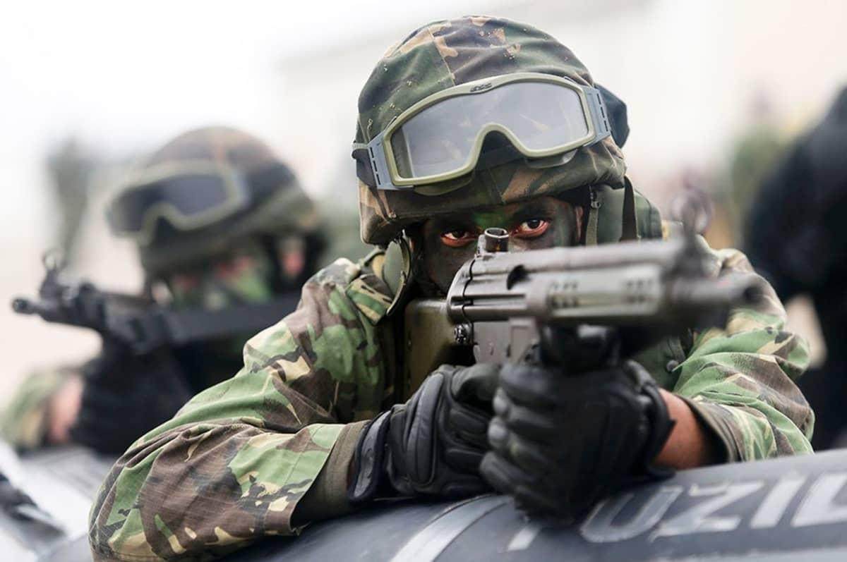 Naton sotilaita Trident Juncture -harjoituksessa.