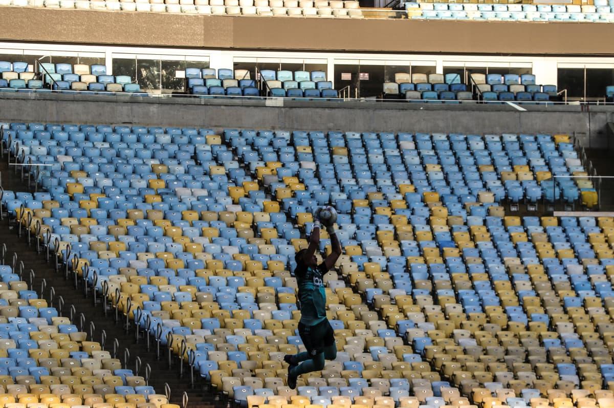 Tyhjä Maracana-stadion.