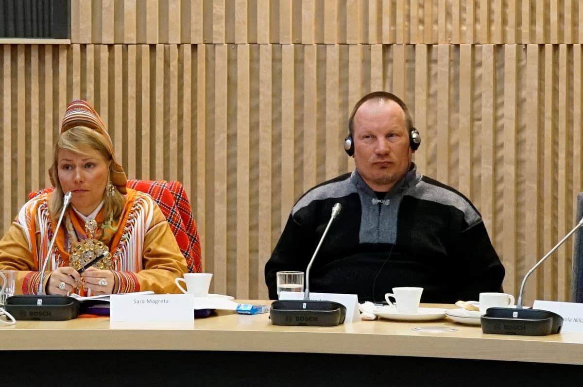 Antti Sujala (olg.) ja Magreta Sara