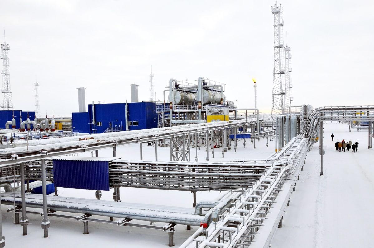 Urengoin kaasukentän varastointi- ja siirtolaitteistoja Siperiassa.