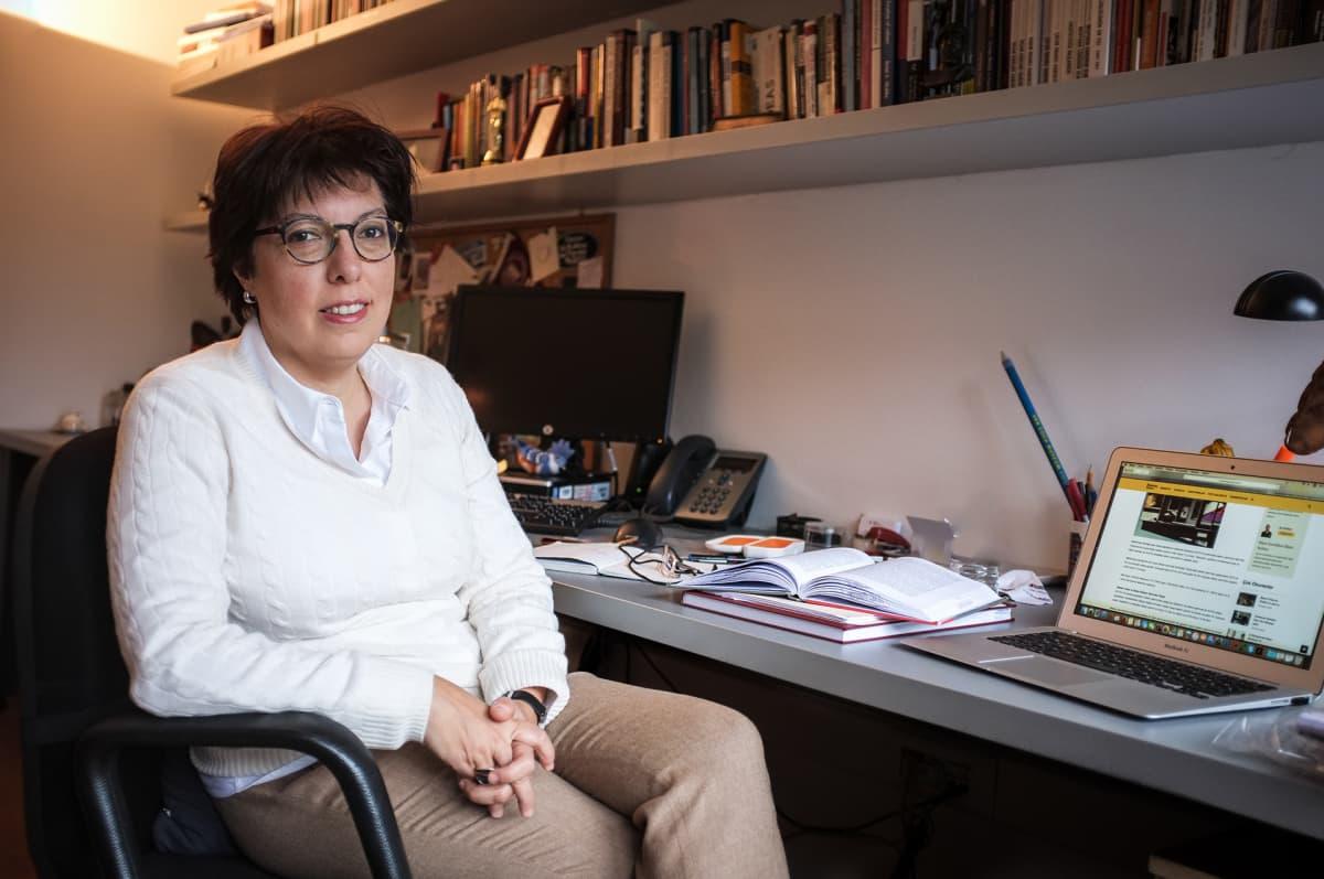 Istanbulin Bilgin yliopiston tutkija  Aslı Tunç on huolissaan saippuaoopperoiden tuotannon työoloista. Kuvauksissa on sattunut jopa kuolemaan johtaneita onnettomuuksia.