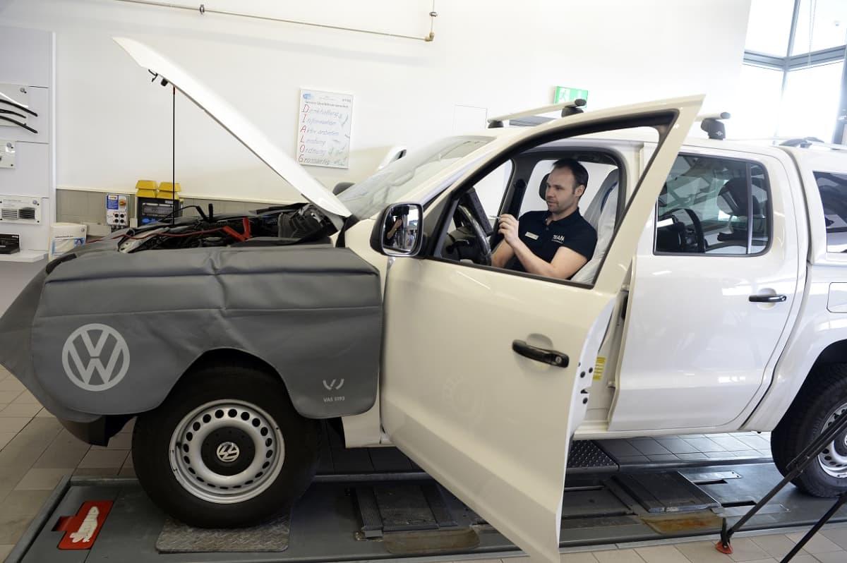 Sveitsissä joudutaan tutkimaan uudestaan 175 000 Volkswagenia. Tässä yksi niistä.