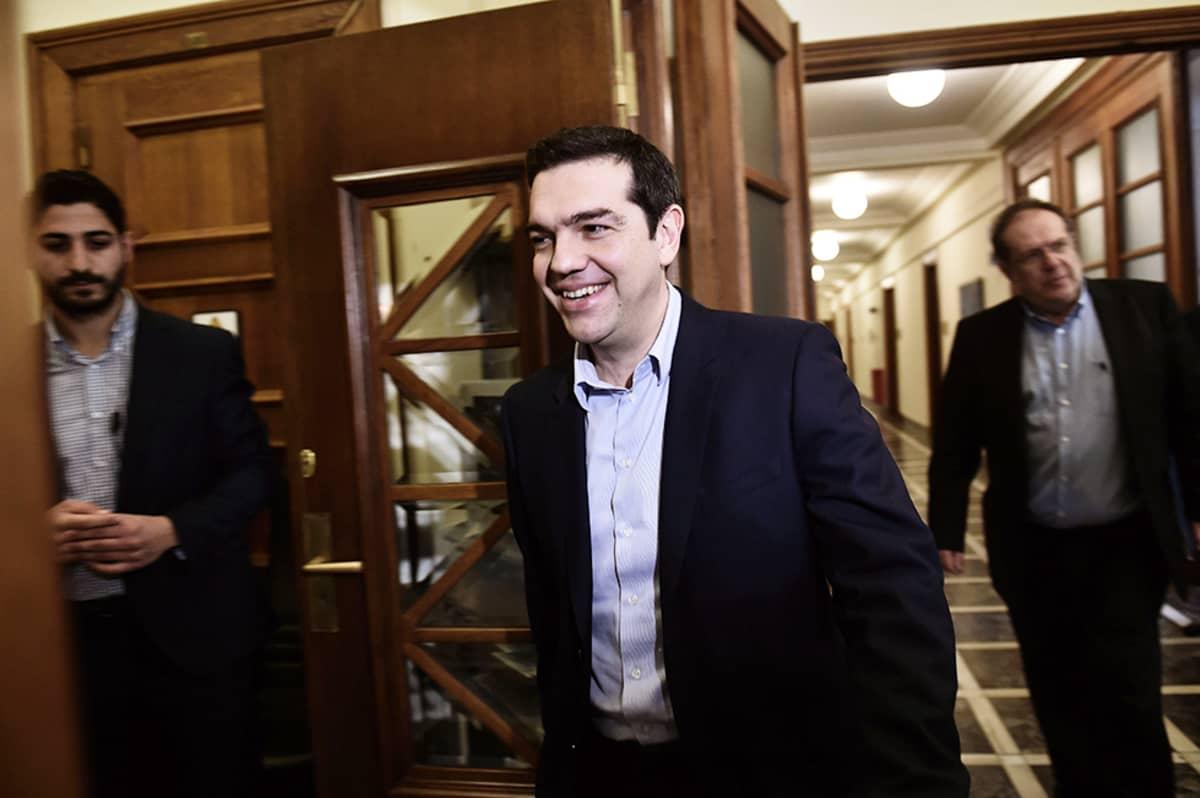 Kreikan pääministeri Alexis Tsipras saapui ministerien tapaamiseen Ateenassa 24. helmikuuta.