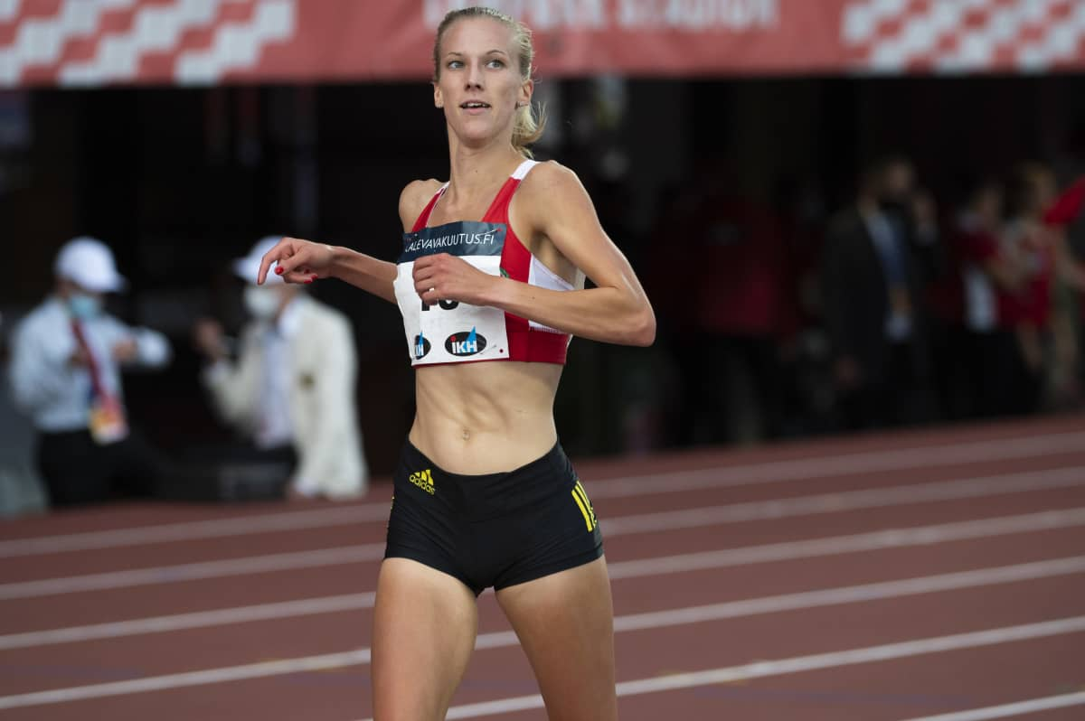 Juoksija Camilla Richardsson kuvattuna Kalevan kisoissa.