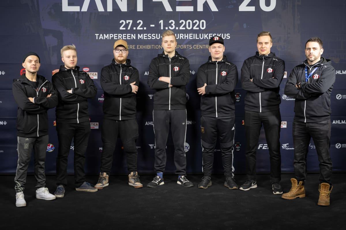 Rähinä eGameStars -joukkue Lantrek-tapahtumassa 2020.