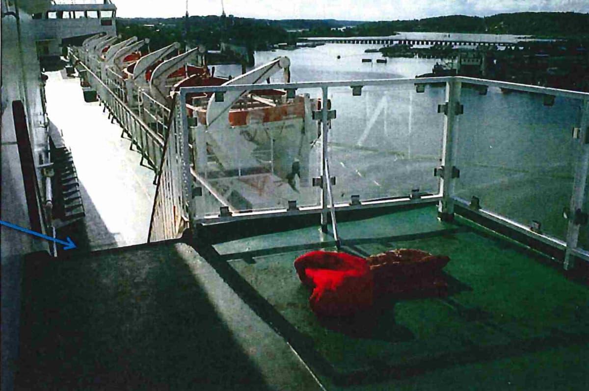 makuupussi laivan kannella