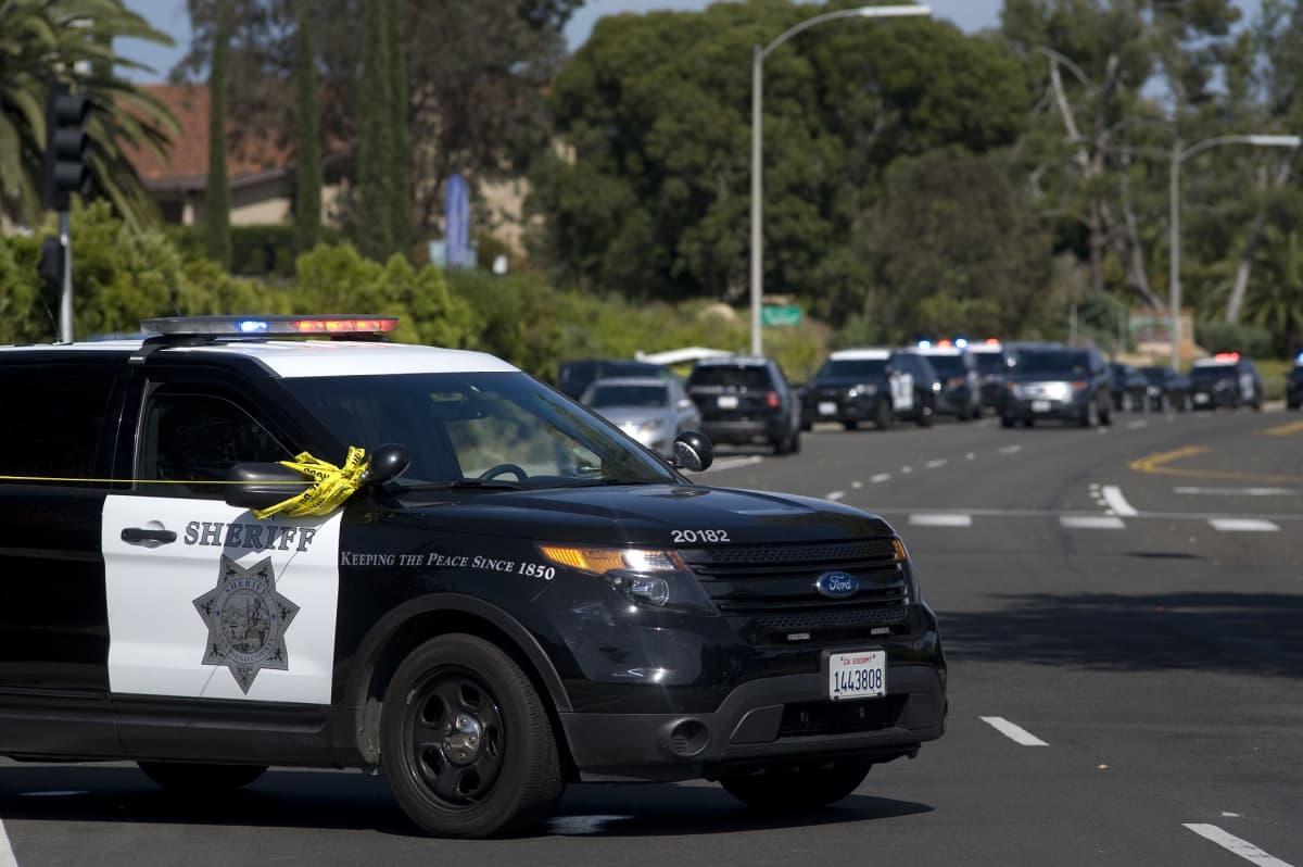 Powayn kaupungissa Kaliforniassa tehdyssä synagoga-ampumisessa on kuollut yksi ihminen ja kolme on haavoittunut.
