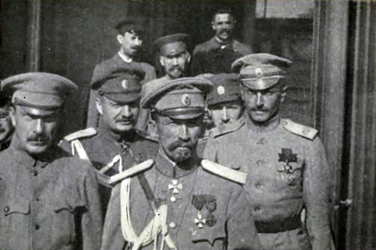 Kenraali Kornilov miehineen.