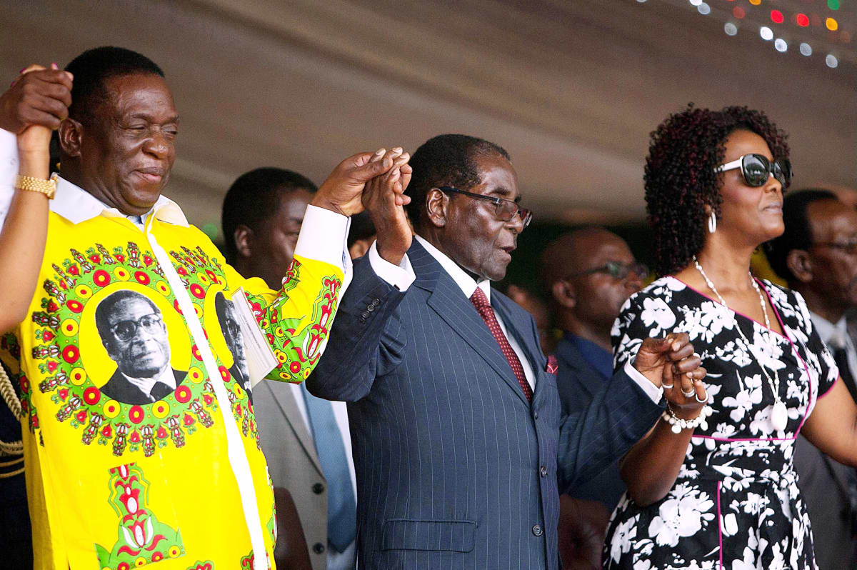Emmerson Mnangagwa, Robert Mugabe ja Grace Mugabe juhlivat Mugaben syntymäpäivää Masvingossa.