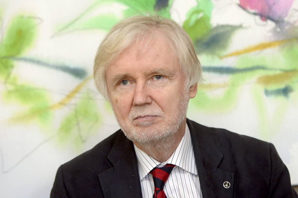 Ulkoministeri Erkki Tuomioja