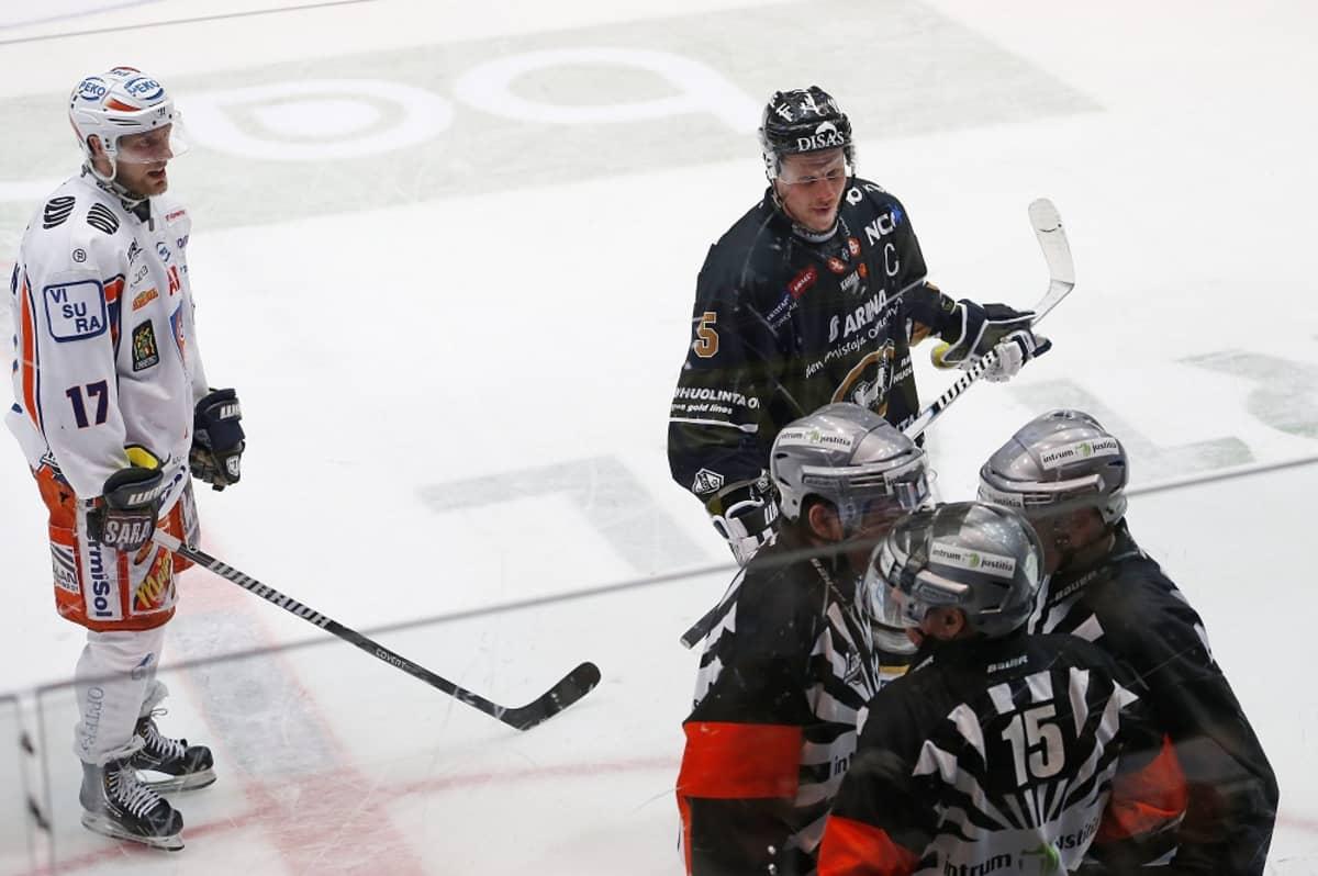 Ville Nieminen, Lasse Kukkonen, tuomarinelikko