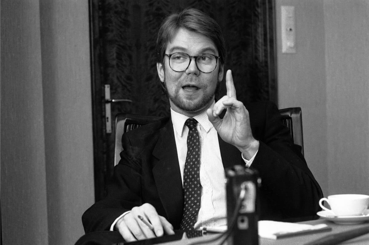 SYP:n hallintoneuvoston jäsen, kauppatieteiden tohtori Björn Wahlroos kuvattuna 15. lokakuuta 1986.