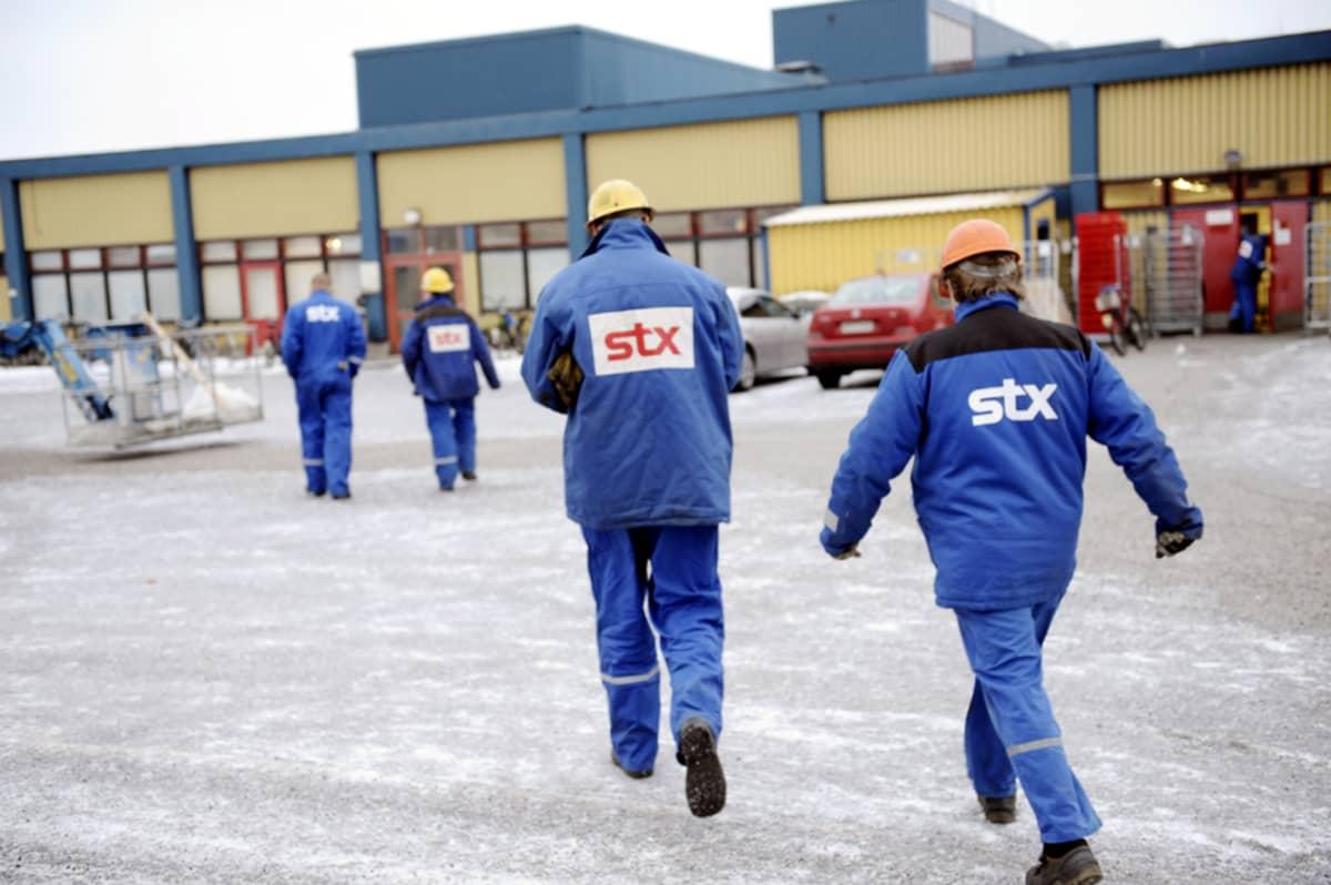 STX:n työntekijöitä Turun telakalla 10. tammikuuta 2013.