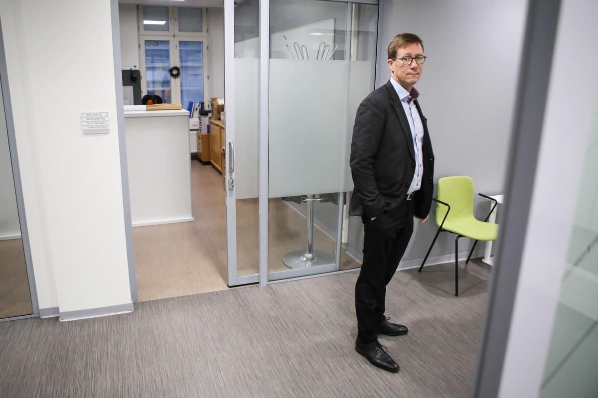 Varsinais-Suomen sairaanhoitopiirin johtajaylilääkäri Mikko Pietilä