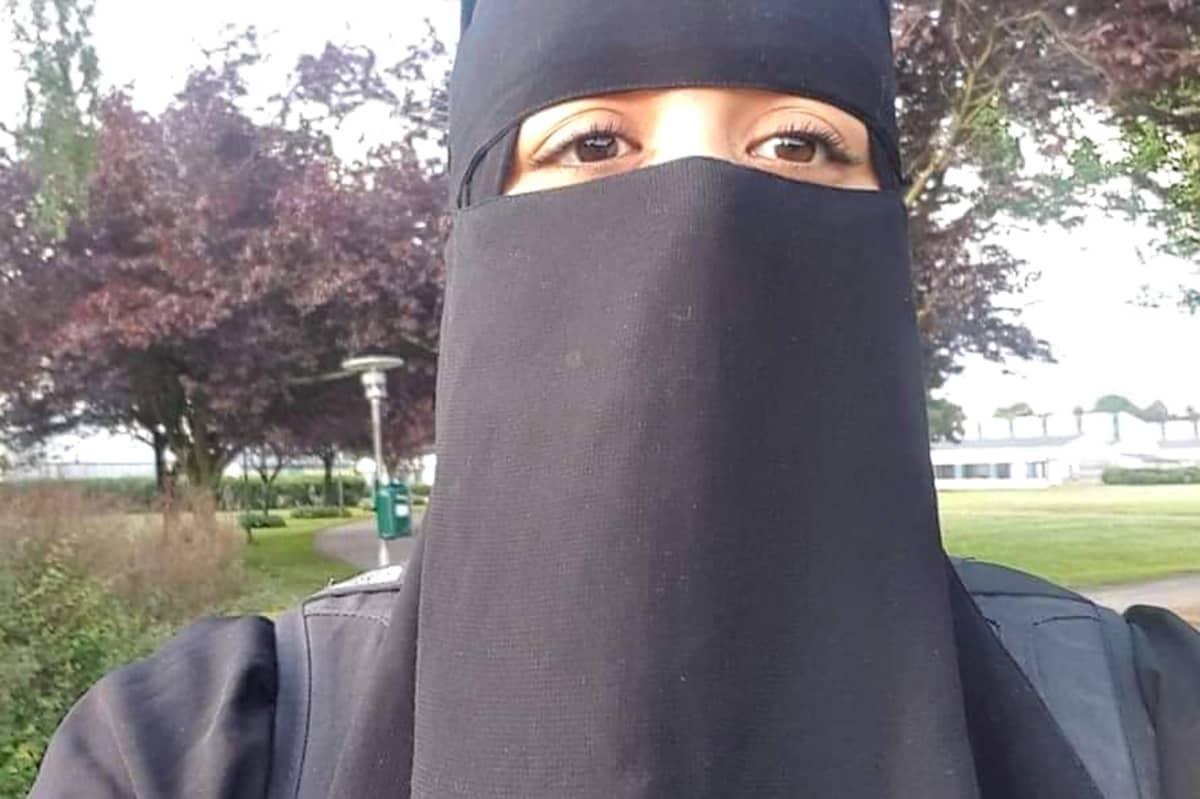Tanskalainen Lene Galia käyttää kasvot peittävää niqabia.