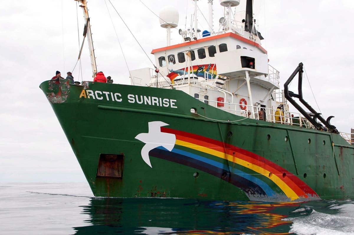Greenpeacen Arctic Sunrise -laiva.
