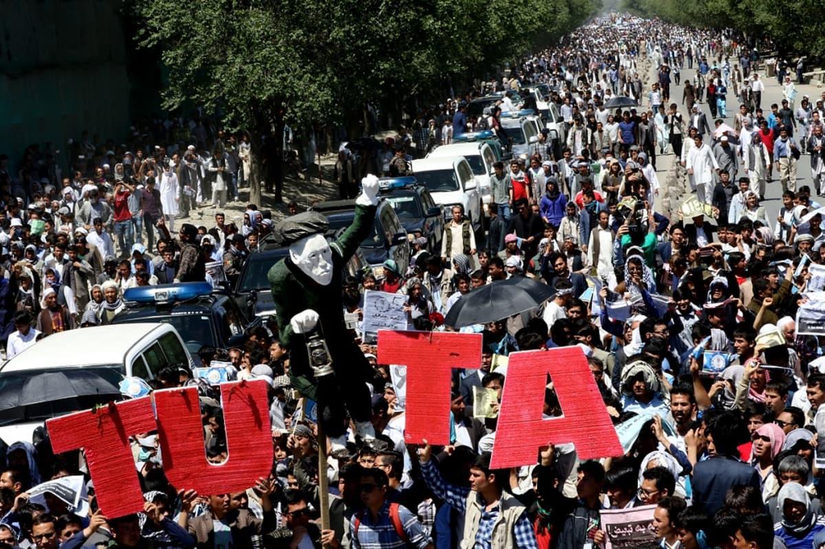 Hazara-vähemmistön edustajia mielenosoituksessa Kabulissa.