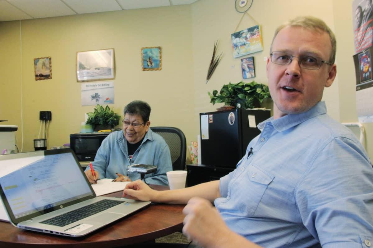 Arvella White on opettanut virolaiselle kielentutkijalle Indrek Parkille katoavia intiaanikieliä.