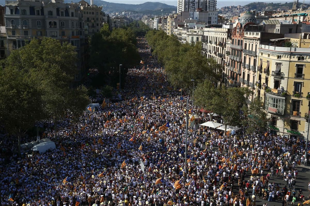 Barcelonassa osoitettiin mieltä Katalonian kansallispäivänä 11.9.2016