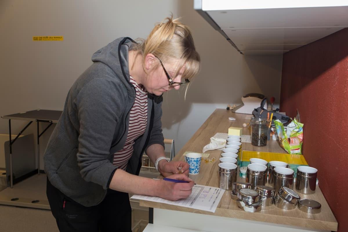 Susanna Paavilainen, Wisw Nose - Suomen hajuerottelu ry:n toiminnajohtaja, syöpäkoirat