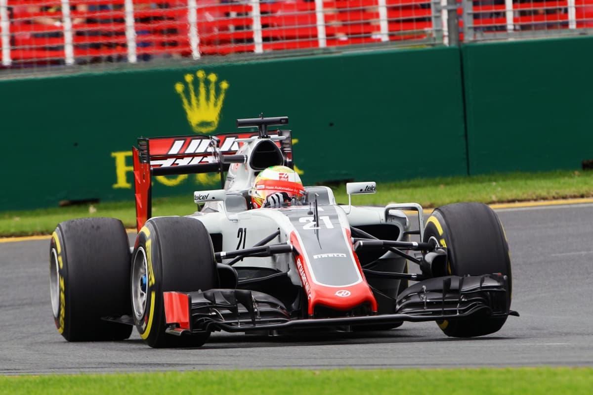 Haasin Romain Grosjean radalla Australiassa.