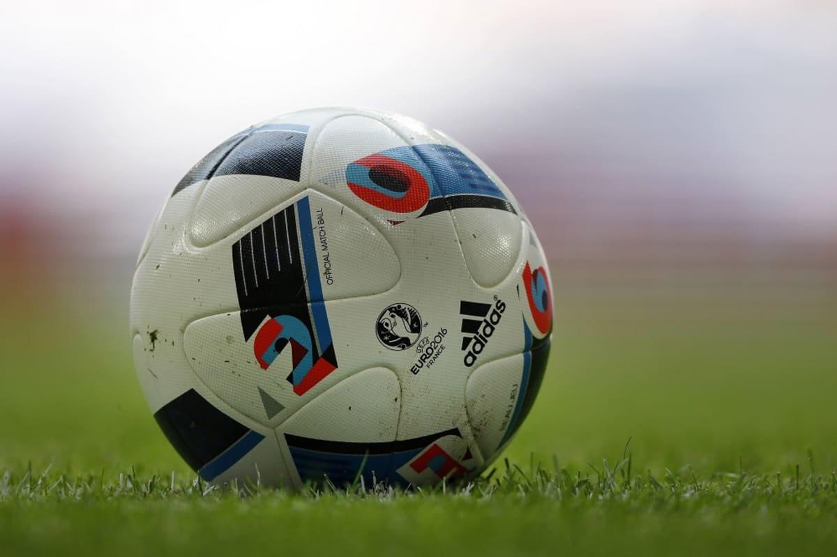 Ranskan EM-turnauksen virallinen pelipallo, Beau Jeu