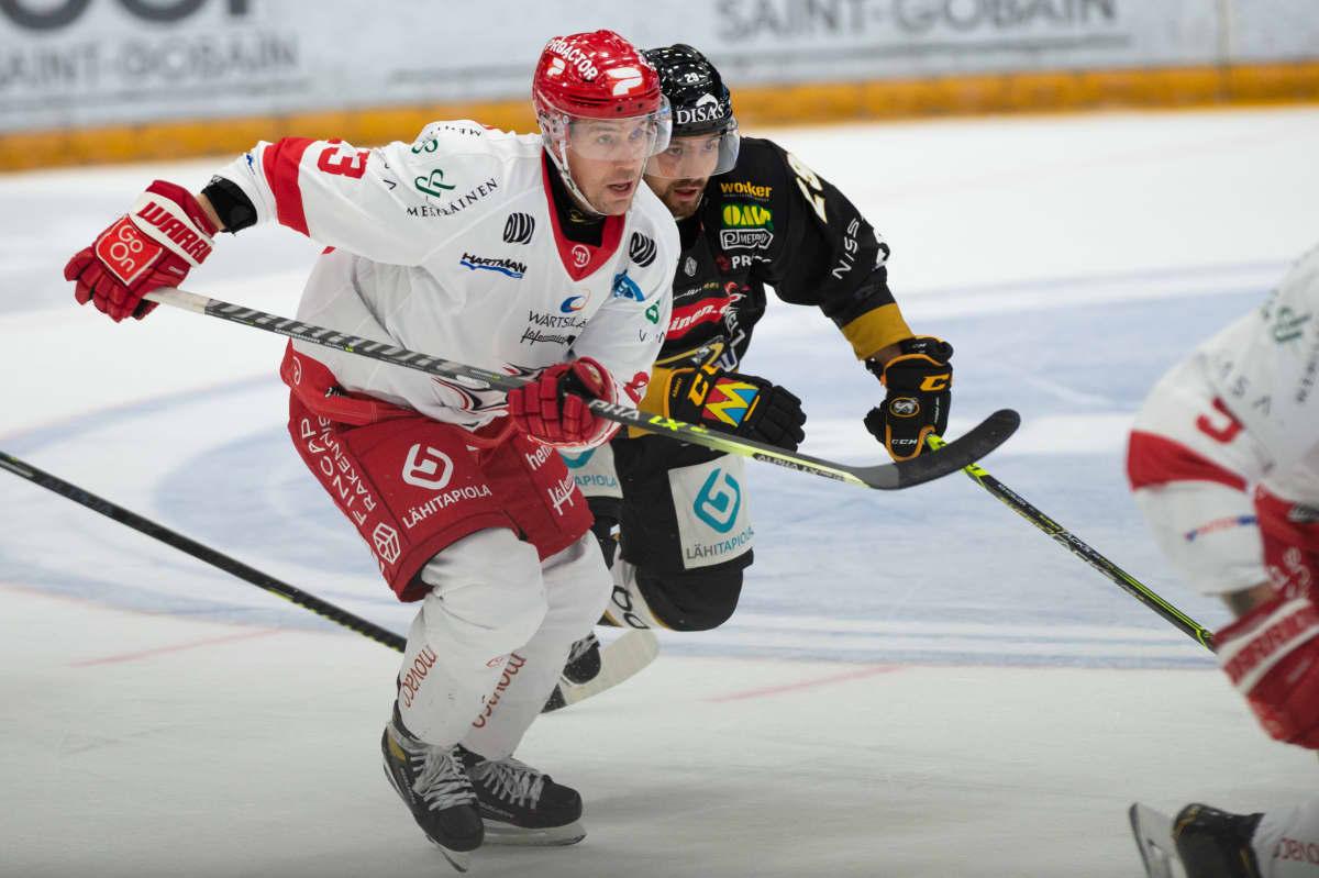 Turo Asplund on ollut alkukaudesta yksi Sportin tehopelaajista.