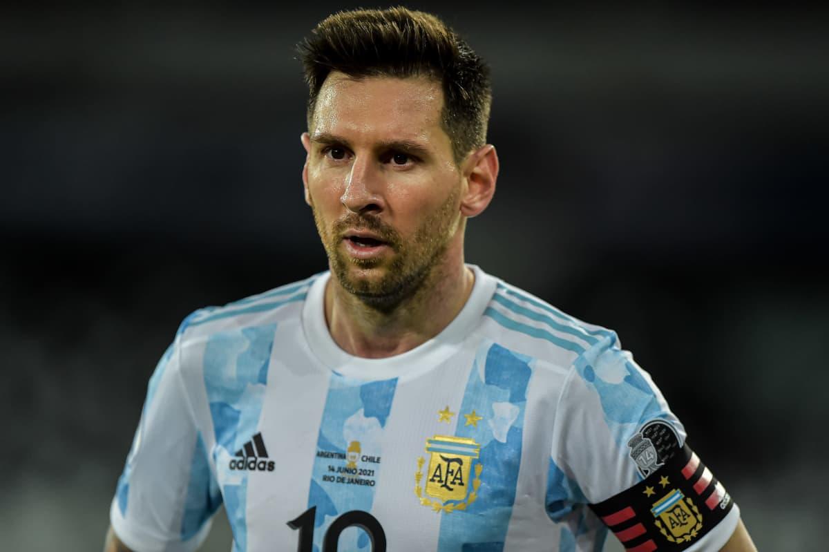 Koronatartunnat huolettavat Lionel Messiä. Kuva 14.6. 2021