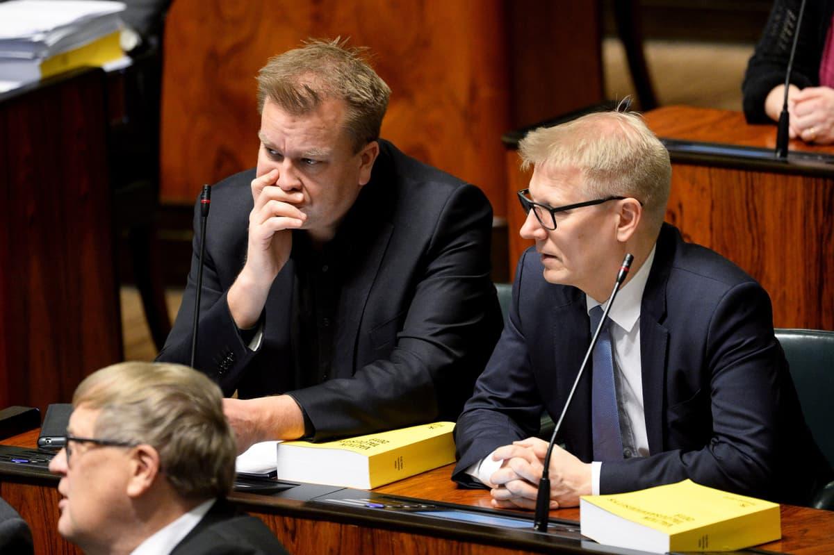 Keskustan kansanedustaja Antti Kaikkonen ja asunto-, energia- ja ympäristöministeri Kimmo Tiilikainen