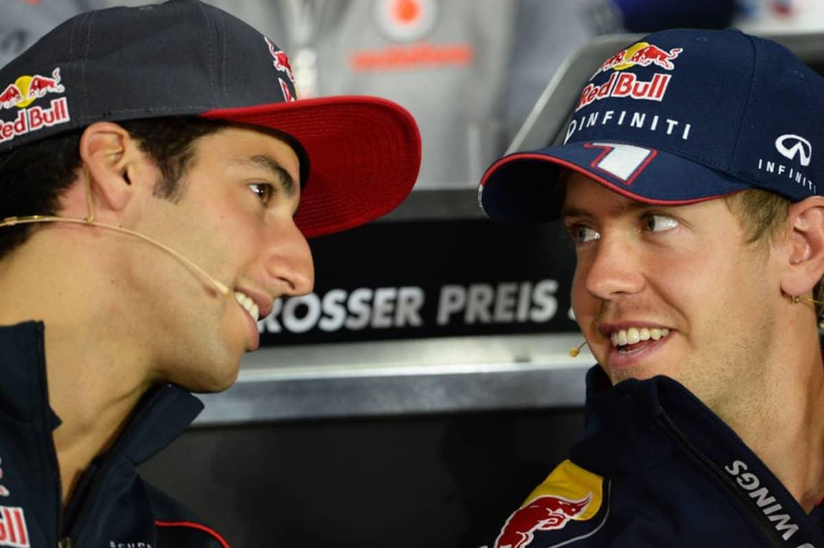 Formula 1 -kuskit Daniel Ricciardo (vas.) ja Sebastian Vettel (oik.) lähikuvassa.