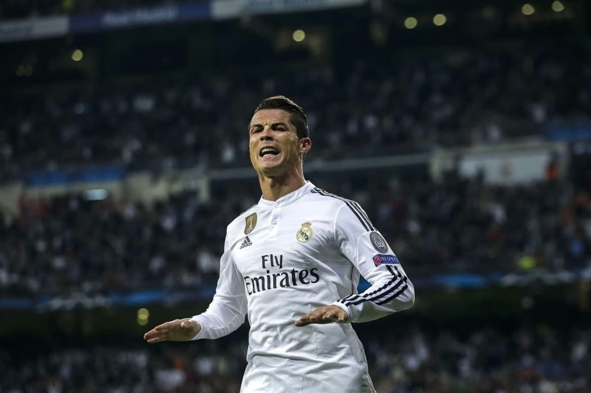 Cristiano Ronaldo juhlii maalia
