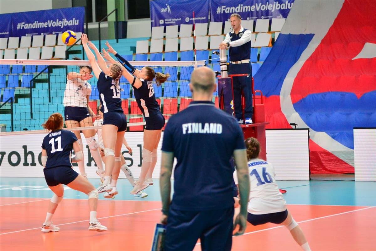 Tapio Kangasniemi pitää huolen, että lentisnaiset ovat hyvin virittyneitä tärkeään Montenegro-pelin, joka näyttelee isoa osaa Suomen EM-lopputurnauspaikan kannalta.