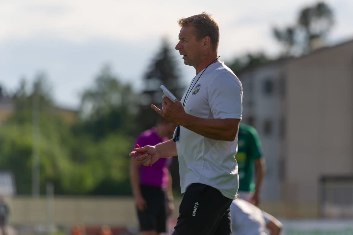 Kuvassa Kokkolan Pallo-Veikkojen uusi päävalmentaja Nikolas Vidjeskog.