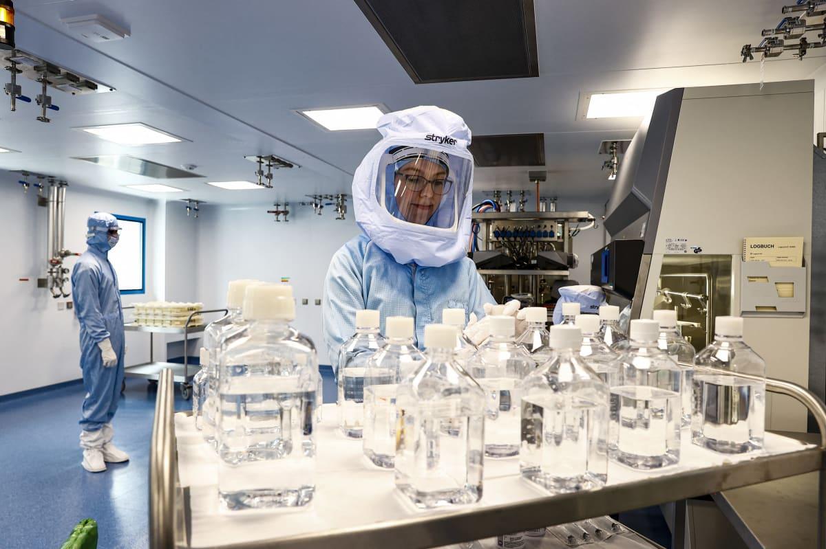 BioNTechin tehdas Saksassa.