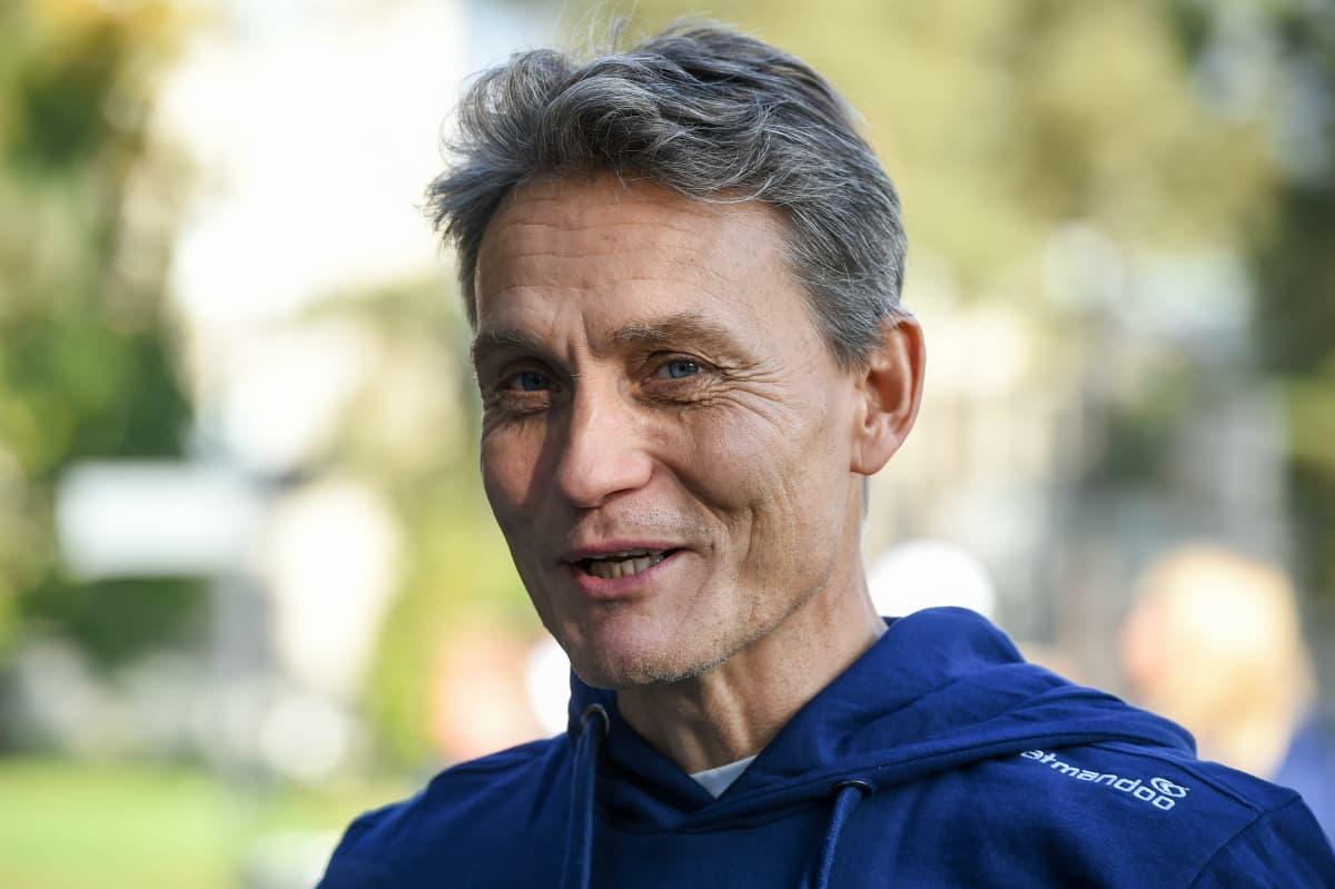 Mika Kojonkoski kuvassa.