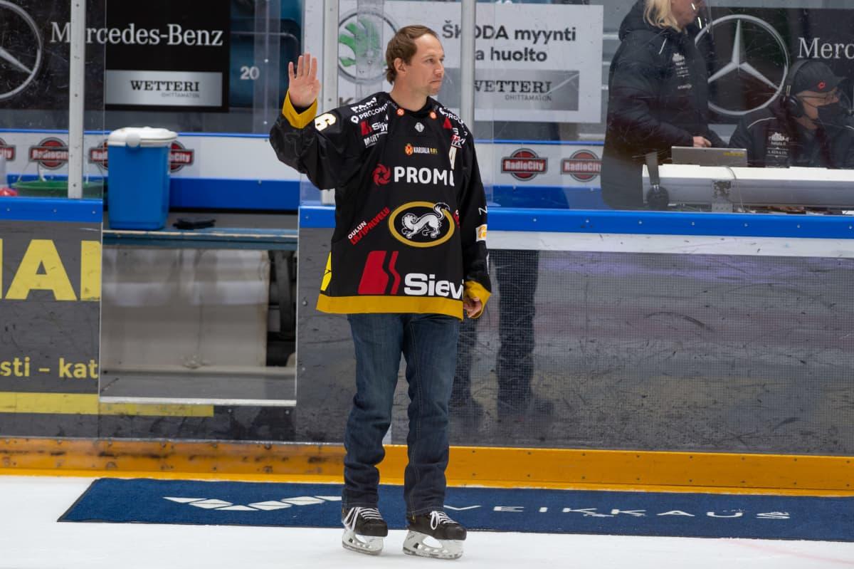 Kärpät voitti kotiottelunsa Jussi Jokisen juhlapelissä.
