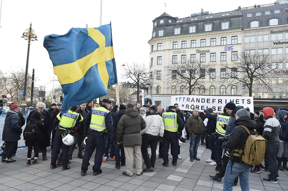 Mielenosoitus Tukholmassa.