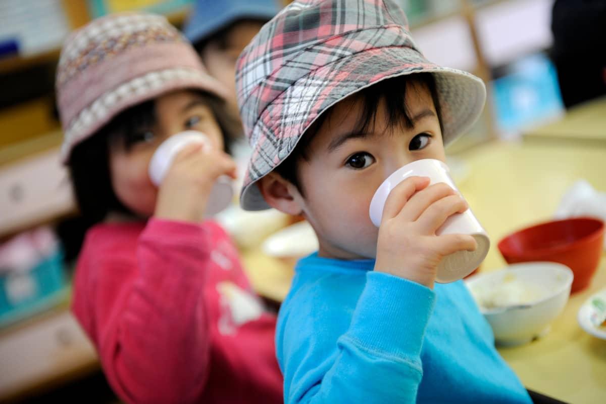 Tokiolaislapsia päiväkodissa