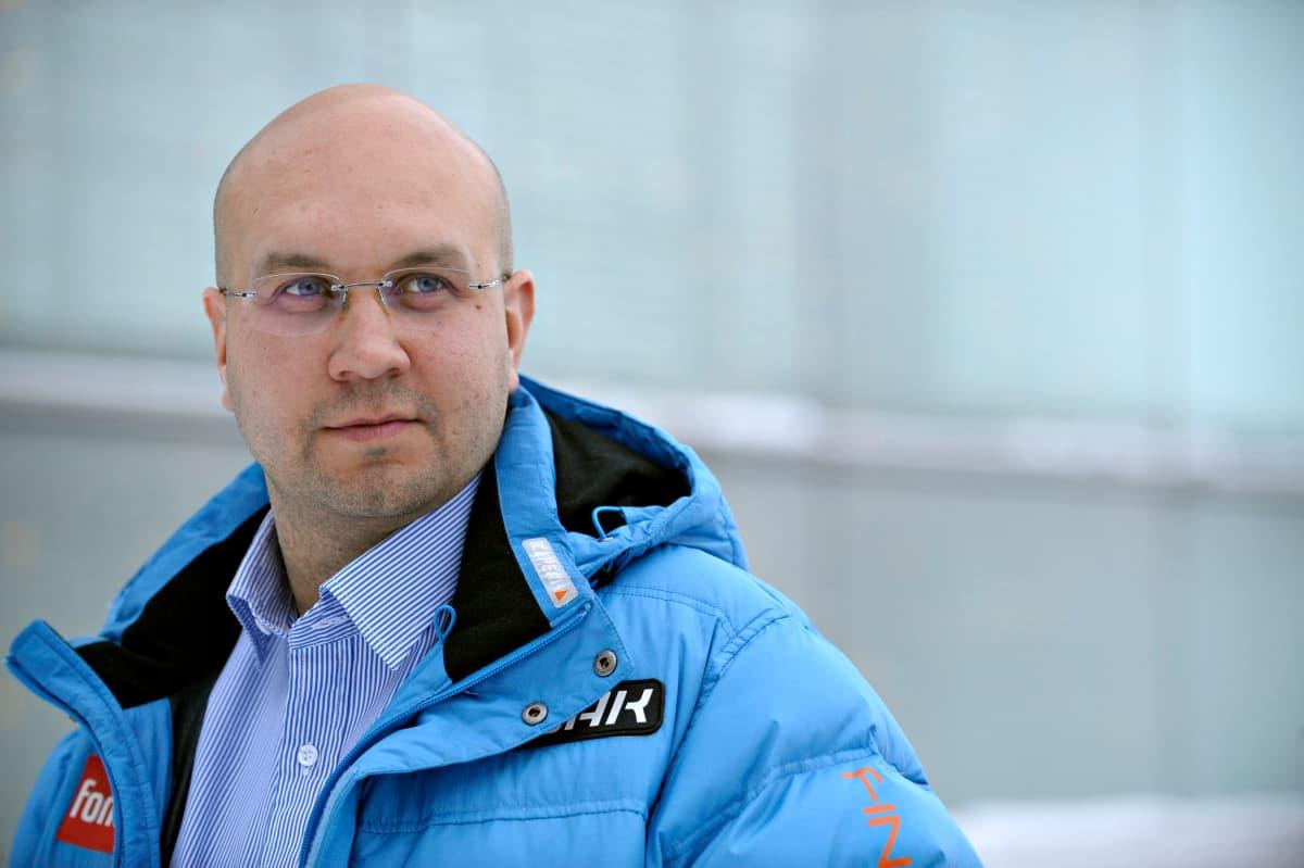 Janne Väätäinen toimi Suomen miesten mäkimaajoukkueen päävalmentajana myös vuosina 2008–10.