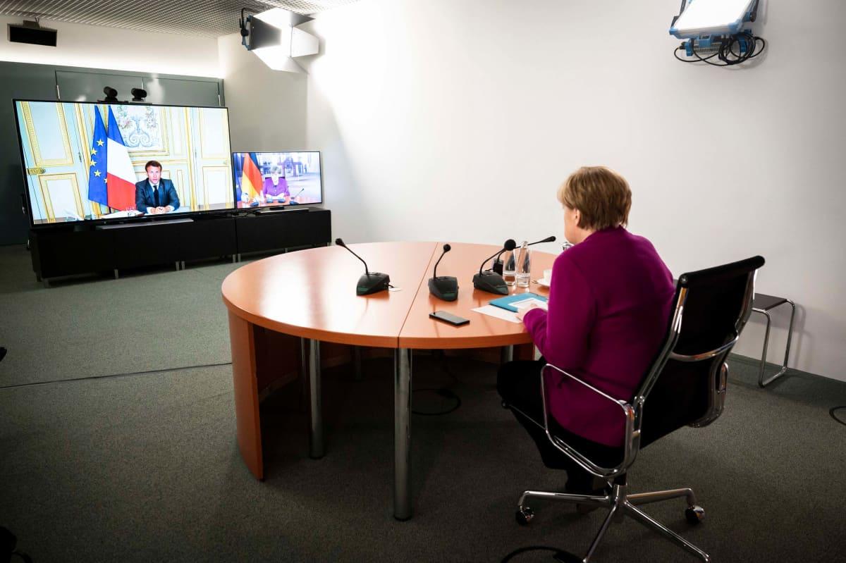 Merkel ja Macron