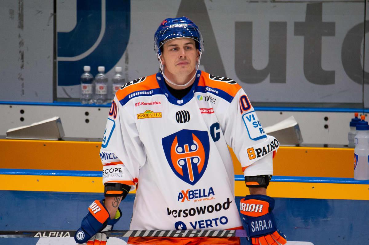 Kristian Kuusela toimi juhlapelissään Tapparan kapteenina.