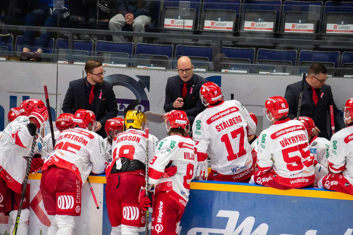 Vaasan Sport on ollut alkukaudesta 2021–2022 vahvassa liidossa miesten SM-liigassa.