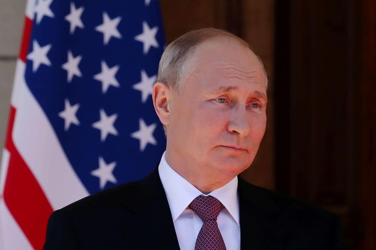 Venäjän presidentti Vladimir Putin ennen huippukokousta presidentti Joe Bidenin kanssa.
