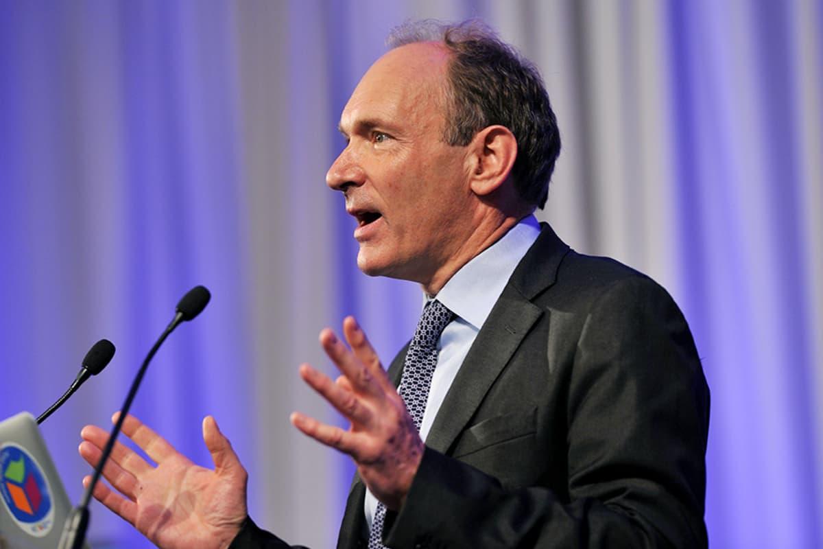 Tim Berners-Lee tammikuussa 2013.