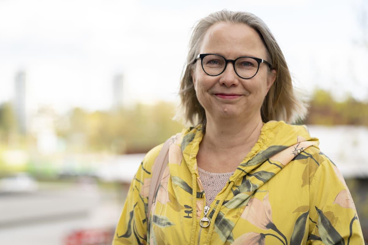 Professori Laura Arpiainen henkilökuva