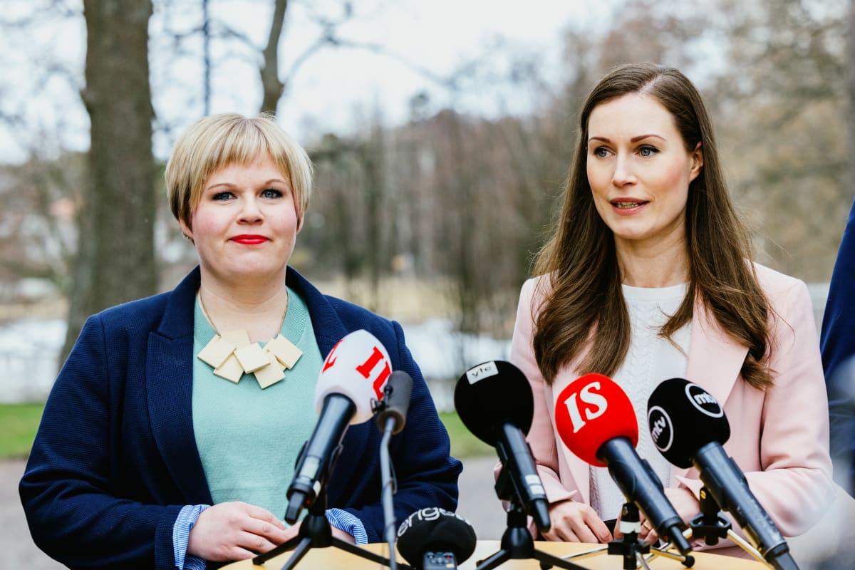 Annika Saarikko ja Sanna Marin.