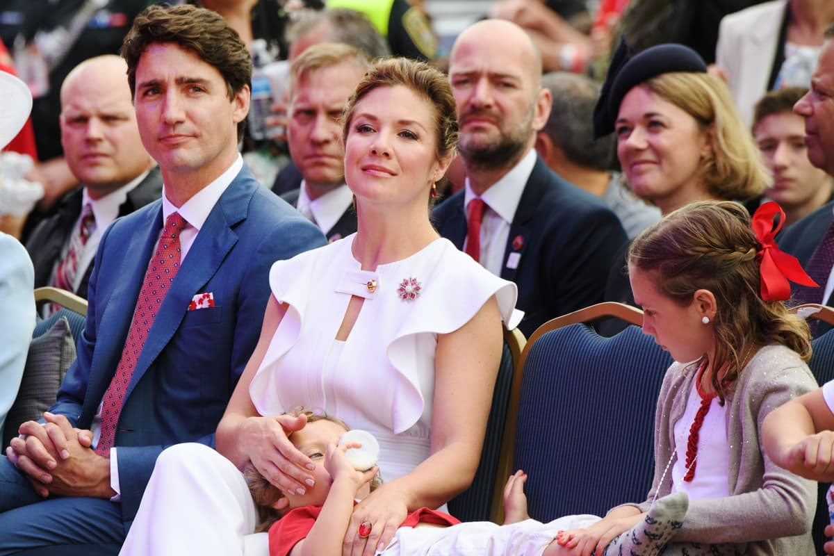 Justin Trudeau ja Sophie Grégoire Trudeau lapsineen.
