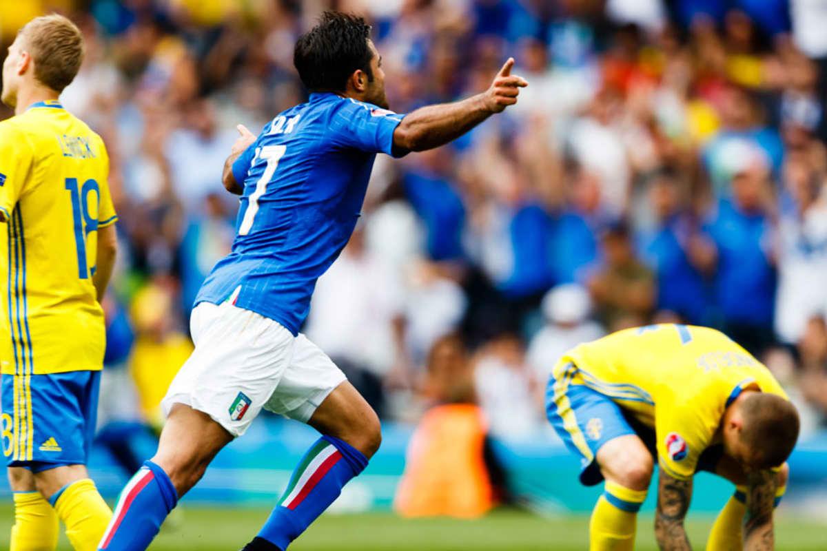 Italian Eder juhlii maalia ruotsalaispuolustuksen keskellä.